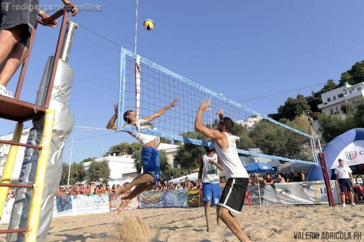 Super beach volley a San Menaio - http://blog.rodigarganico.info/2015/eventi/super-beach-volley-a-san-menaio/
