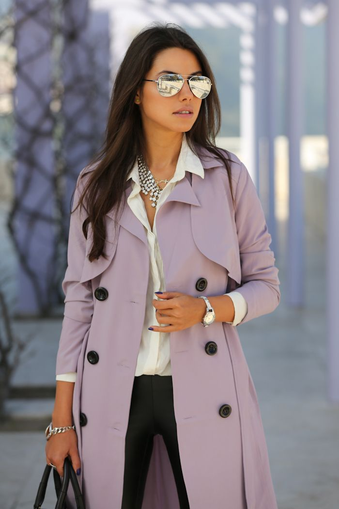 A great trench coat & accessories add style to a simple outfit.