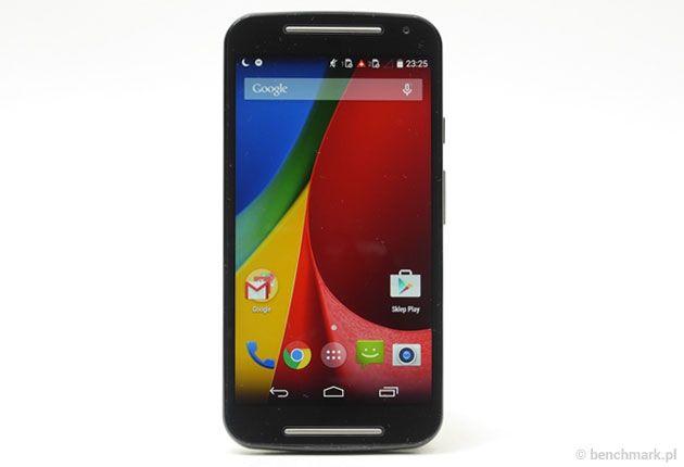 Motorola Moto G (2014) to zaskakująco dobry smartfon. Oferuje bardzo płynnie działający system Android, dobrą jakość obudowy i dwa sloty kart SIM.