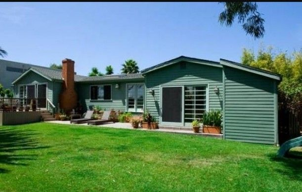 Their new Malibu home  Love the idea of downsizing with more land....(Tori & Dean)