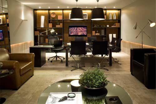 Home Offices: A sala de estar e o escritório estão integrados no ambiente de 45 m2 criado pelas arquitetas Karine Espírito Santo e Natália Veloso.
