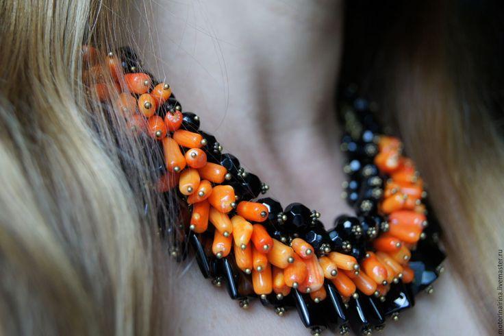 """Купить Колье из чёрного агата и коралла -""""Оса"""". - черный и оранжевый, колье ручной работы, ожерелье"""