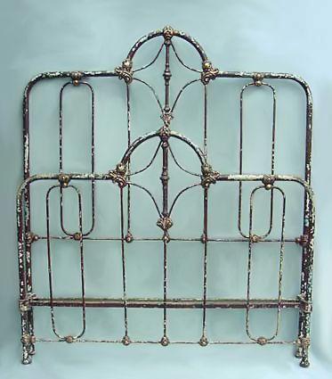 Best 25 Antique Iron Beds ideas on Pinterest