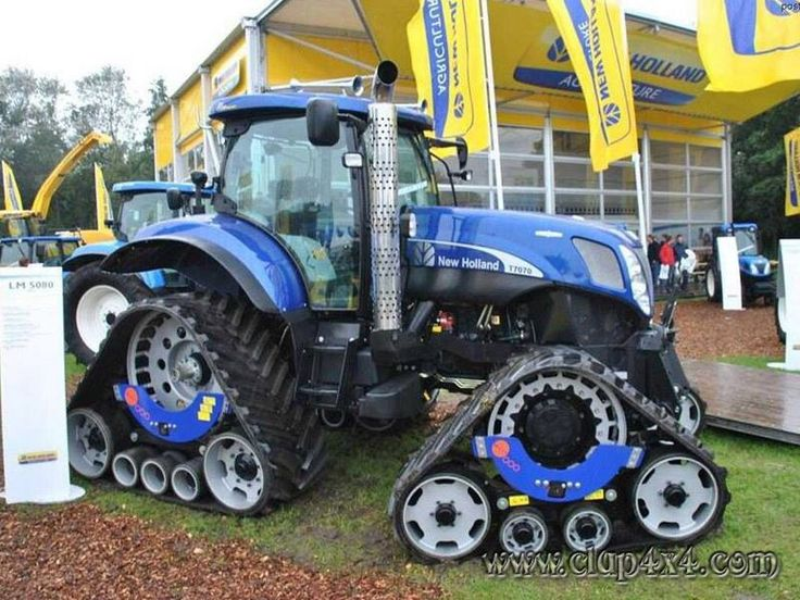 New Holland tracks.T6 tractor