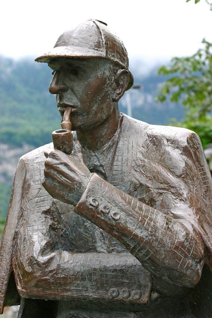Sherlock Holmes statue at Meiringen