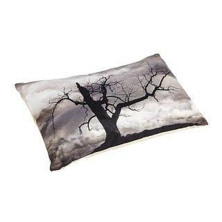 Kussen Lunel. Rechthoekig kussen met tie & dye print, zwart -wit. Afmeting 30 x 50 cm. €29.95