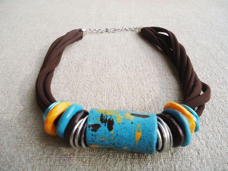 collana artigianale in argilla e lycra - turchese, ocra e marrone