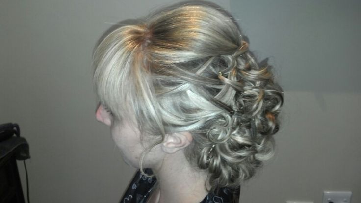 Upstyle hair by Justine Taitz