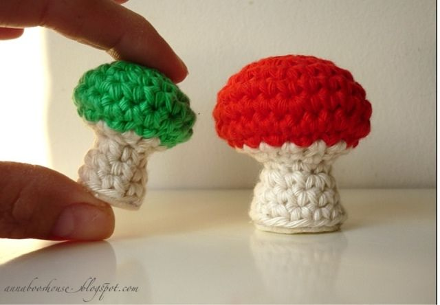 Annaboo's house: Who wants to make a toadstool? I have two patterns.