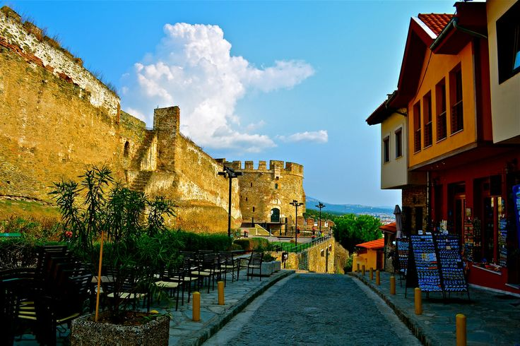 GREECE CHANNEL | Upper town of Thessaloniki