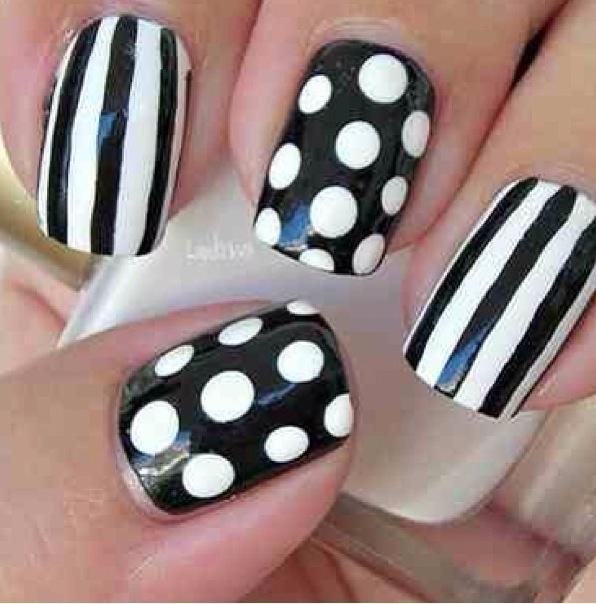 Black and white nails: Nails Nails, Polka Dots, Nailart, Nail, Black And White, Black White, Nail Design, Stripes, Nail Art
