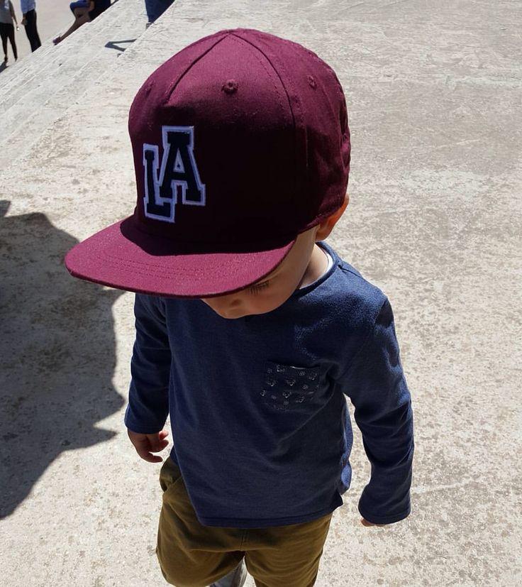 Spring outfit purple LA hat