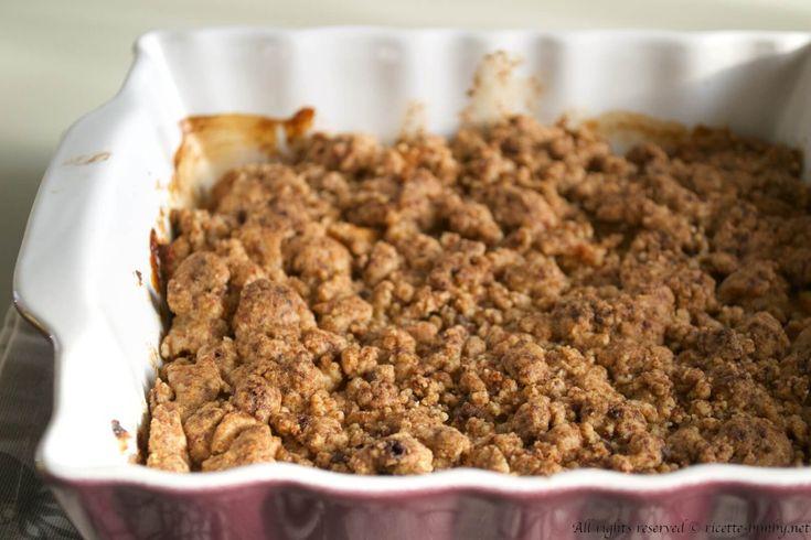 Il crumble di mele è un dolce tipico inglese, semplice e veloce da realizzare con l'aiuto del bimby. Scopri la ricetta e gli ingredienti che ti servono.