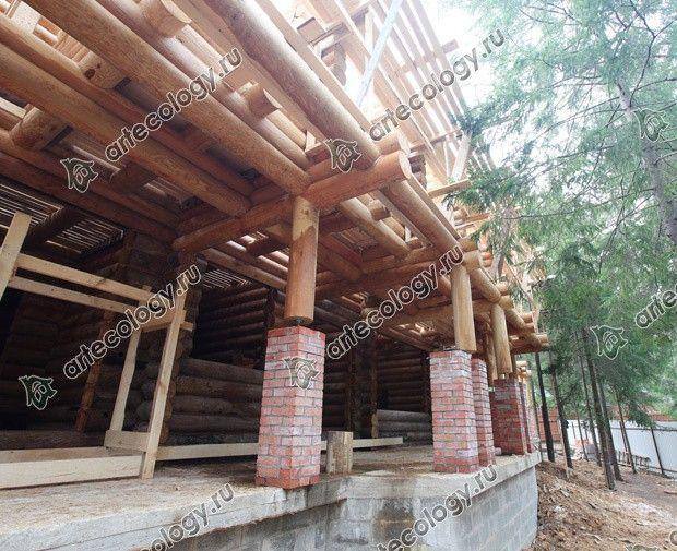 Реконструкция дома из лиственницы 2012 год. Будущий парадный вход.