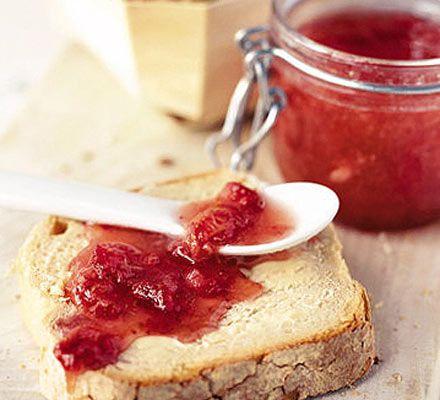 No-cook Strawberry Jam - recipe