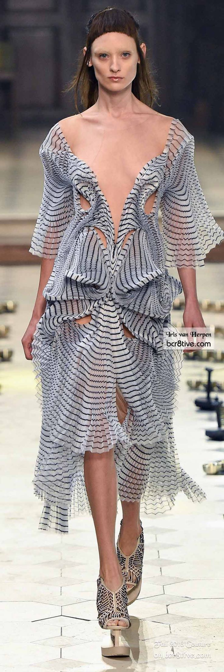 awesome The Best Fall 2016 Haute Couture Fashion by http://www.redfashiontrends.us/runway-fashion/the-best-fall-2016-haute-couture-fashion/
