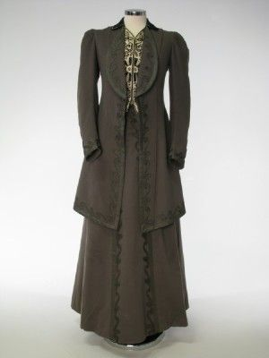 Horan Smith & Goulden Ltd, grey wool coat & skirt , Europe 1908-1910. Coat lined in figured silk, skirt lined with glazed cotton.  Manchester City Galleries.