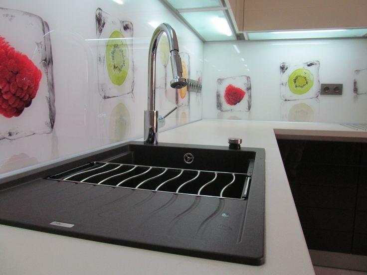 Szeretem az egyedi megoldásokat a konyhabútor tervezésben is.Miért elégednél meg egy átlagos konyhabútorral?