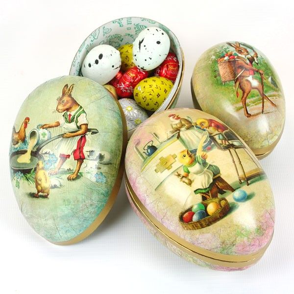 Vintage papier mache Easter eggs, beautiful vintage colours and imaging with gold detail. Available in 2 sizes