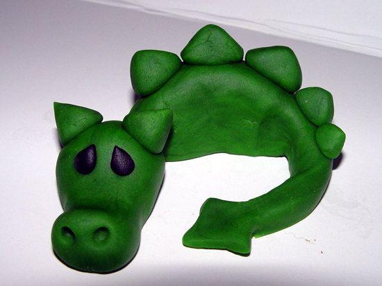 Dragon cupcake topper :)