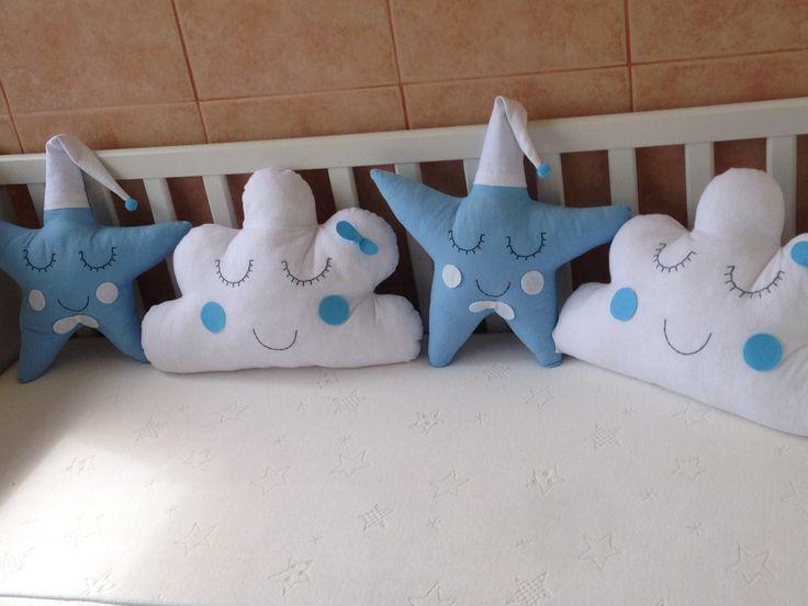Bulut ve yıldız yastıklar