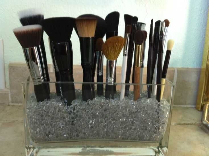 Creative Makeup Brush Holder – ikuzomakeup.com/…