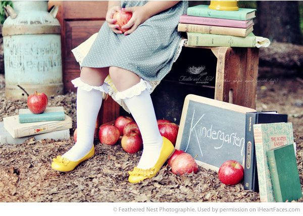 Back to School Photography Ideas via iHeartFaces.com - Portrait Photography by Feathered Nest Photographie