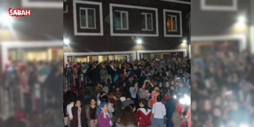 """Zonguldakta kız yurdunda kalan öğrencilerden eylem : Zonguldakın Kozlu ilçesinde bir yurdun önünden """"kız kaçırıldığını"""" iddia eden üniversite öğrencileri eylem yaptı.  http://ift.tt/2elRbAc #Magazin   #Zonguldak #eylem #kız #eden #iddia"""