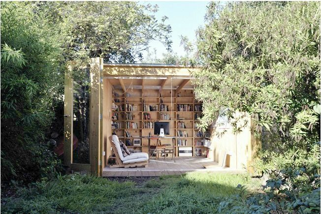Outdoor library! How awesome is that?!Gardens Offices, Libraries, Ideas, Spaces, Outdoor Offices, Studios, Reading Nooks, Reading Room, Home Offices