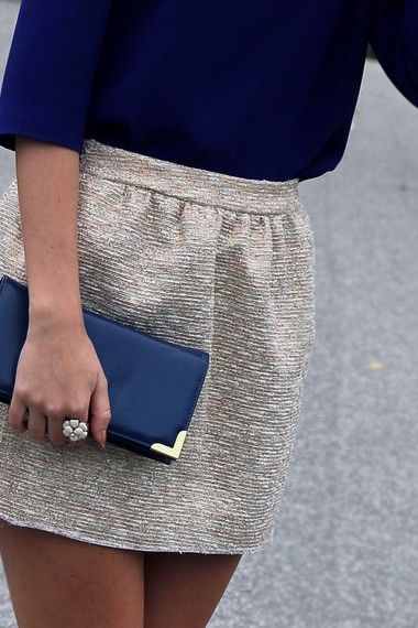 : Outfits, Colors Combos, Summer Wedding, Navy Gold, Gold Skirts, Clutches, Street Style, Metals Skirts, The Navy