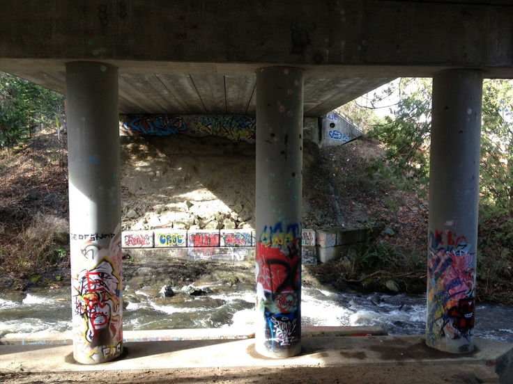 Decorated pillars under the overpass