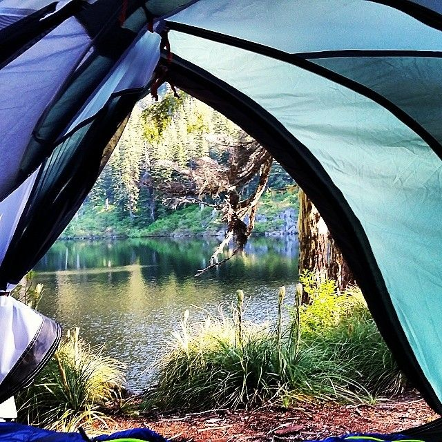 Ingredients for a perfect weekend: a tent, some friends and a peaceful mountain lake. Photo by Warren, REI 1440 Project.