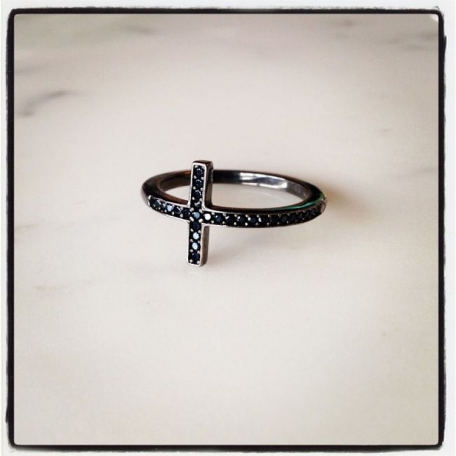 Ring platinum plated 925 silver with cross of spinel stones