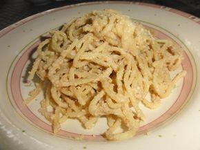 Spaghetti con sugo di noci e ricotta