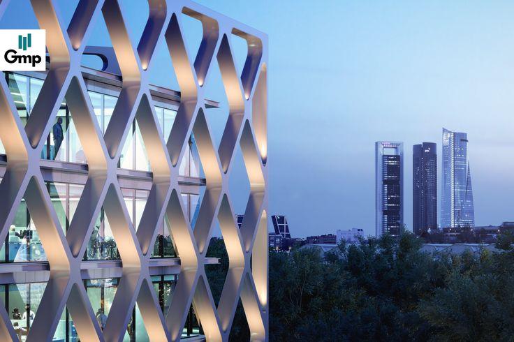 Nuevo edificio de oficinas con una privilegiada ubicación en la zona norte de Madrid, Las Tablas, una de las áreas de la capital con mayor proyección empresarial #madrid #oxxeo #oficinas #alquilerdeoficinas #grupogmp #arquitectura #edificio #sostenibilidad #diseño
