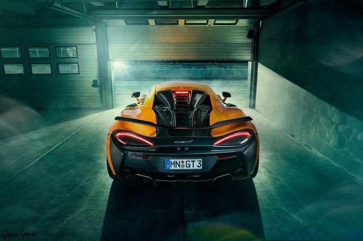 Do grona pakietów modyfikacji dla Ferrari, Lamborghini, Maserati i Rolls-Royce dołącza właśnie oferta personalizacji skierowana dla aut McLaren. Na początek przedstawiono produkty dedykowane modelom 540C oraz 570S: zestaw aerodynamiczny z włókna węglowego, nowe koła a także układy wydechowe i podniesienie mocy silnika.  Więcej: http://gransport.pl/blog/mclaren-540c-570s-novitec/  Oficjalny Dealer NOVITEC w Polsce http://gransport.pl/index.php/novitec.html