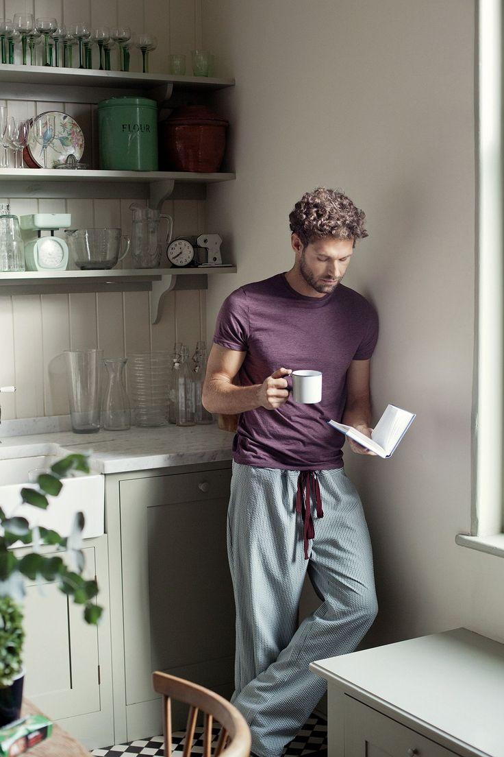 """Detaillierte Nähanleitung für eine Unisex-Pyjamahose im Schlabberlook aus dem Buch """"Stoff, Schnitt & Stich"""". Mit Schnittmuster-Download!"""