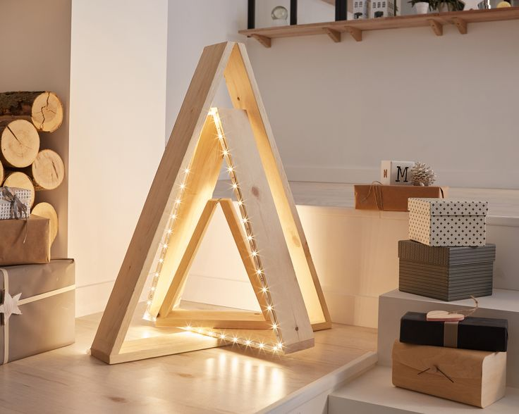 DIY : Réaliser un sapin lumineux #leroymerlin #diy #tuto #noel #sapin #ideedeco #madecoamoi