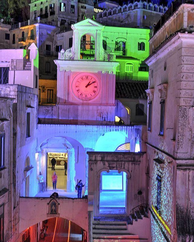 Christmas time!!! #world_bestnight #pocket_world #italiainunoscatto #top_italia_photo #yallersitalia #italia_dev #don_in_Italy #italy_photolovers #discover_vacations #volgoitalia #world_besthdr #vivoitalia #vip_world_photo #ig_amalficoast #wowshot #top_hdr_photo #pocket_italy #salernopuntoit #vacations #visititalia #italian_trips #loves_madeinitaly #travel_drops #beautifuldestinations #italian_places #gf_italy #vip_world_photo #ig_italia #loves_mediterraneo #wonderful_places