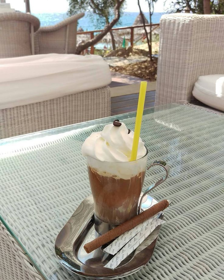 Iced coffee love from @la__tamy ❤❤ -  #icecoffee #coffee #coffeetime #yummy #lecker #cyprus #zypern #ayianapa #agianapa #grecianbay #beach #beachside