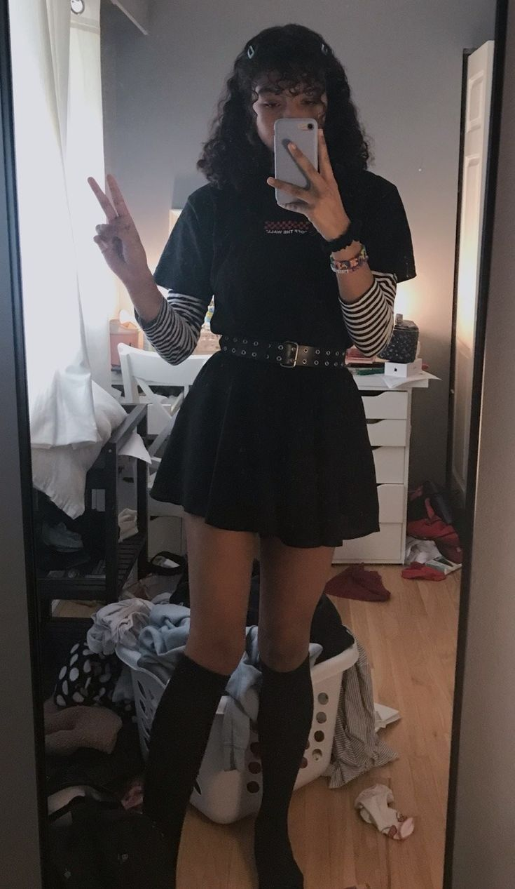 Look E Girl Tumblr Inspiracao Jesus Ama Voce Bad Girl Outfits Aesthetic Grunge Outfit Skater Girl Outfits