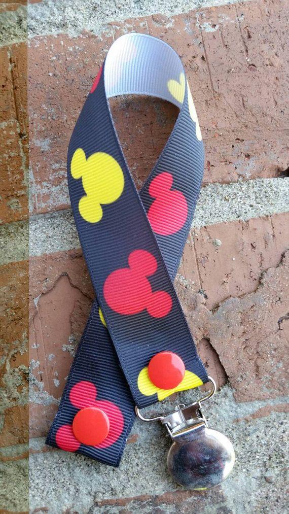 Mick souris rouge/jaune/noir attache sucette par TSWreathsandMore