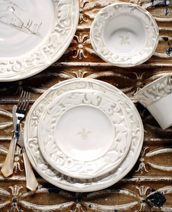 How to set the table four ways with VIETRIu0027s Dei Medici collection. & 97 best vietri dinnerware images on Pinterest | Dinnerware Cutlery ...