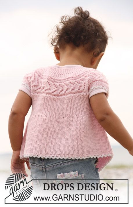 "Springtime - Sleeveless top knitted from side to side in garter st and lace pattern in ""Baby Merino"" - DROPS Design"