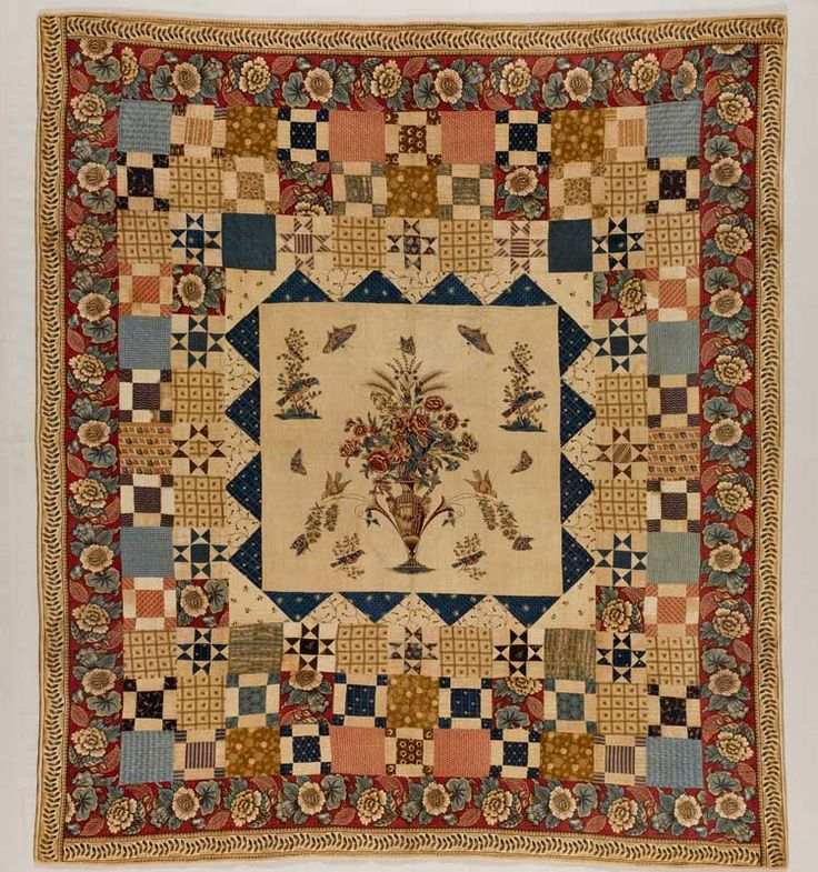 Hewson-Center quilt with multiple borders 1790-1810. American Folk Art Museum.