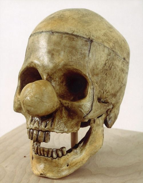 Vik Muniz. Clown Skull (from the Relic Series, 1989)    http://www.vikmuniz.net/