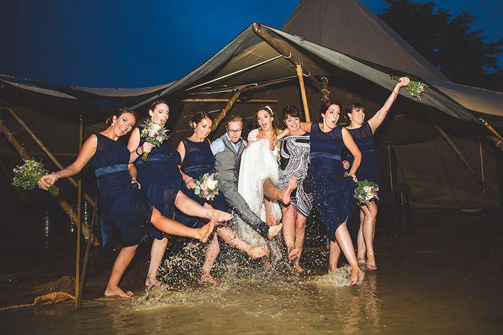 weddings in rain