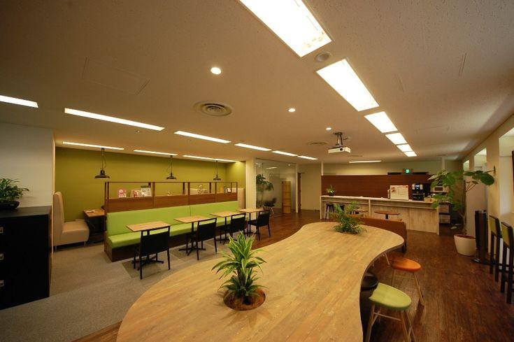 気分に合わせて働く場所を選べるヴィンテージカフェオフィス |オフィスデザイン事例|デザイナーズオフィスのヴィス