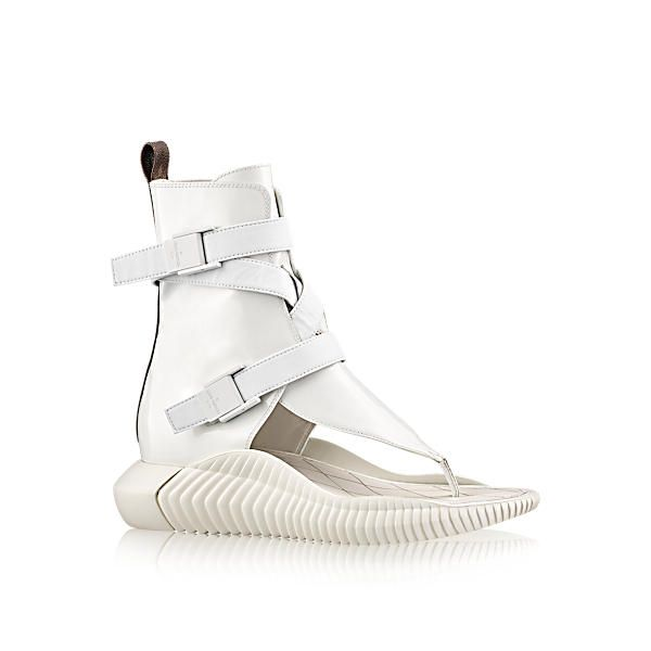 separation shoes a5234 c1a86 LOUIS VUITTON BAHIA BRAZIL FLAT SANDAL.  louisvuitton  shoes     Louis  Vuitton in 2019   Pinterest   Flat sandals, Sandals and Shoes sandals