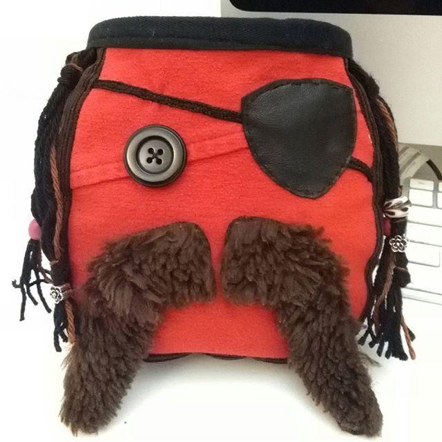 Pirata #handmadechalkbags #chalkbag #pirate #oneofakind #lastecucesempre #climbing #sewingchalkbags